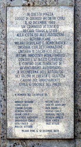 300px-Milano_-_Piazza_Fontana_-_Lapide_Vittime