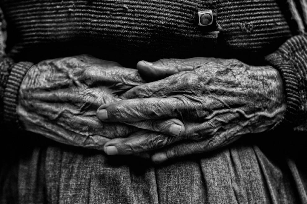 mani di madre